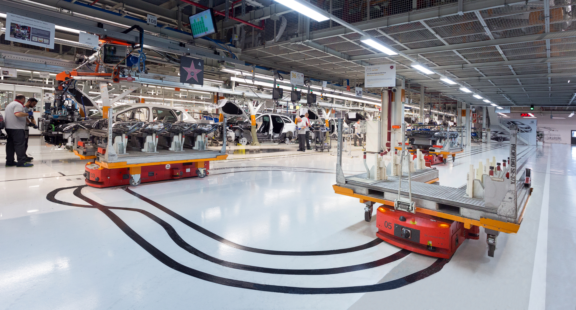 Roboty mobilne w fabryce Seata