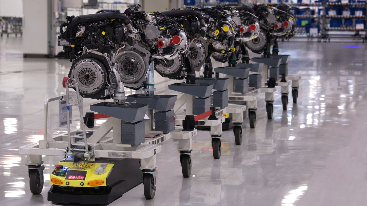 Robot transportowy w fabryce Seata